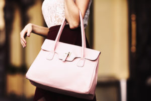 Expat Academy The Secret Diary of a Global Mobility Manager: Handbags at Dawn