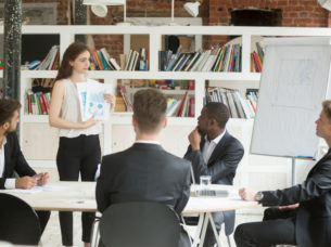 Expat Academy Research: Contrasting forces shaping office plans make the case for hybrid working