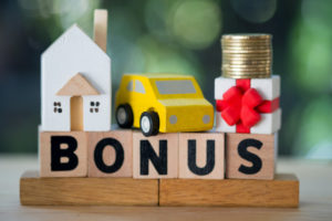 Expat Academy COVID-19 and bonuses: taking care of employees and your bottom line